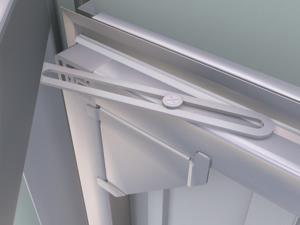 Der Öffnungsbegrenzer in der Nebentür kontrolliert die Bewegung des Türflügels